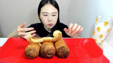 【韩国吃播】弗朗西斯卡吃炸鸡、面包-面包[2018.8.21]