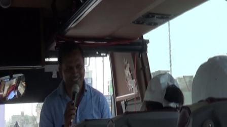 08042018_A 印度导游王天宇车上讲解印度风俗和沿途