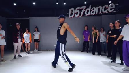 【D舞区舞蹈】- 人气外教导师TRISTAN编舞《BIG BANK》舞蹈教学视频