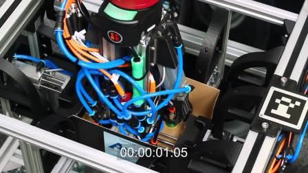 协作机器人可以在有很多重复性的任务的生产线