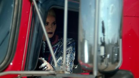 BBOX 18FW Campaign DAPHNE GUINNESS