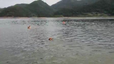 芸华、吕萍、UFO 2018-09-09 20.08.41