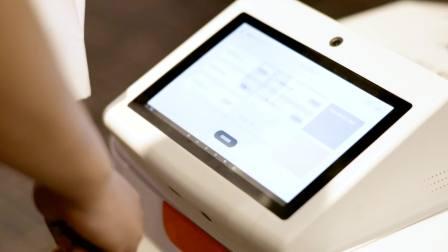 Segway配送机器人,采用Intel RealSense深度感知摄像头