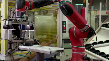 Sawyer智能协作机器人可以配合数控机床不同的运作周期
