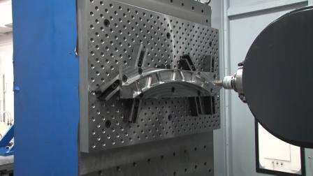 ユニバーサルヘッド搭載5軸加工可能なマシニングセンタによる航空機部品の高効率加工を提案 横形マシニングセンター BM-1250U(ソリューションフェア2017)