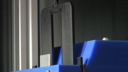汽车用耐热性树脂的精密成型技术及注塑件的可追溯性提案,全电动注塑机EC100SX2-2A激光印字装置,(东芝机械2017社内展)