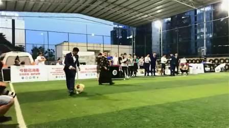 澳大利亚裁判波林 2018年8月25号蓝月犬舍博美犬巴巴贝贵阳CKU全犬种国际冠军展荣获全场JBIS4