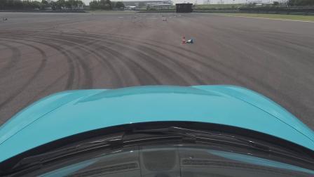 和保时捷一起学习驾驶技巧之驾驭车辆