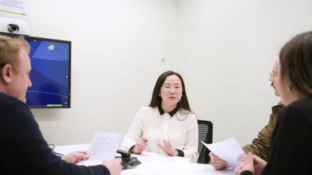 学生故事 - 气质博士小姐姐的研究之旅 中文字幕