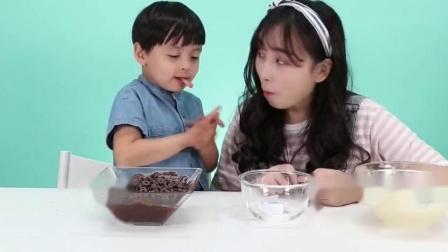 《小伶玩具》美味蛋糕制作大赛开始啦,看看谁能获胜呢
