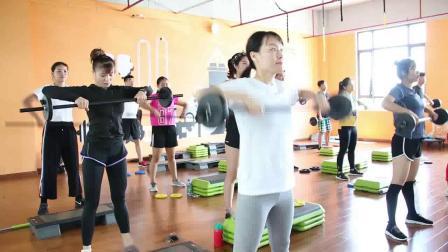 杠铃操课程-私人教练培训-上海体适能私人教练培训学校