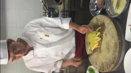 杨喆厨师炒菜切配视频