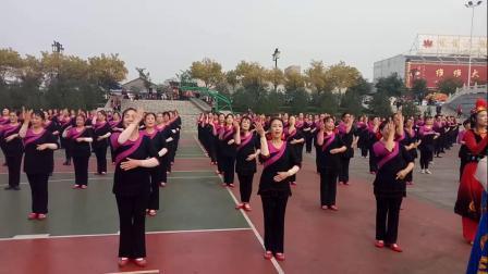 泡泡果广场舞   三德歌