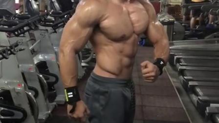 健身房肌肉男3