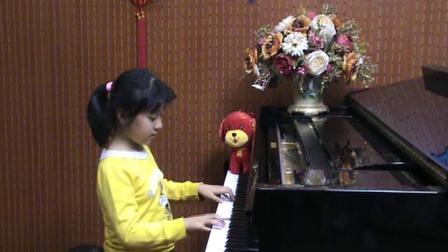郑州小女孩钢琴即兴演奏机器猫《多来A梦》