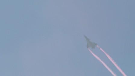 珠海航展,J10-B 推力矢量发动机震撼表演