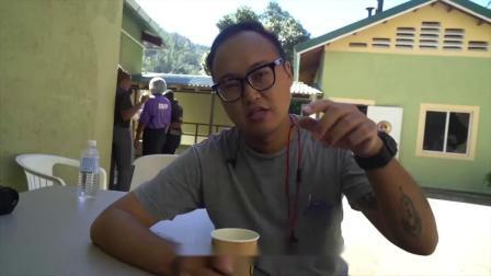 小伙喝到现磨的蓝山咖啡,仔细介绍了蓝山这个名字的由来!