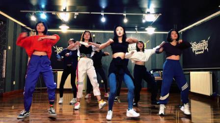 [舞极无限]HYuna-How`s this-翻跳-金泫雅-小野马-泫雅-抖音最火舞蹈-双井爵士舞-热门舞蹈教学-