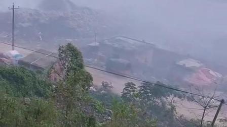 云南省文山州广南县八宝镇垃圾场污染,严重危害周边居民身体健康