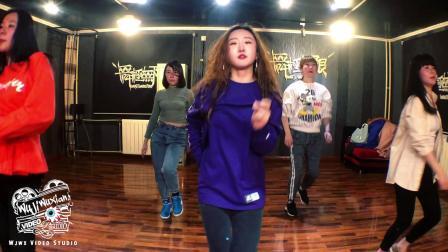 [舞极无限]Hyuna-LipHip-小野马-金泫雅-泫雅-舞蹈教学-最新舞蹈-2019抖音最火舞蹈-北京去哪学爵士舞-朝阳区专业舞蹈培训班