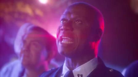 Brooklyn Nine-Nine S06 12月18日 恶搞宣传片