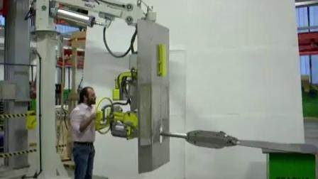 PNERGO64 Pneumatic industrial manipulator for handling hot parts in a foundry