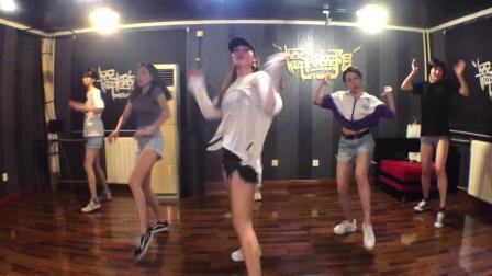 北京街舞培训机构-女生简单好跳的舞蹈-舞蹈培训中心