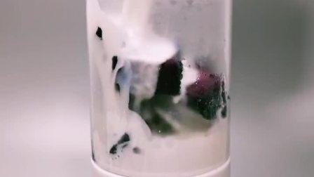 紫薯牛奶    功效:紫薯能够很好的帮助促进肠道蠕动,缓解便秘,提高宝宝免疫力,防癌抗癌功效!