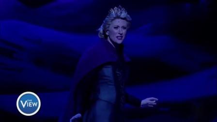 看百老汇音乐剧版《冰雪奇缘》如何把梦幻城堡搬上舞台