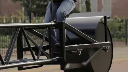 牛人改装世界最长电动车,转弯咋办?