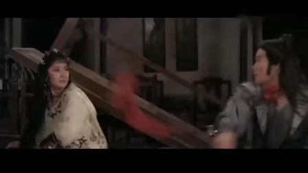 邵氏经典武侠片,蛇蝎美女带领四个恶和尚,想杀一位小伙子