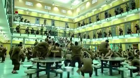 《监狱风云3》:周润发在监狱里唱这首《友谊之光》好好听哦!