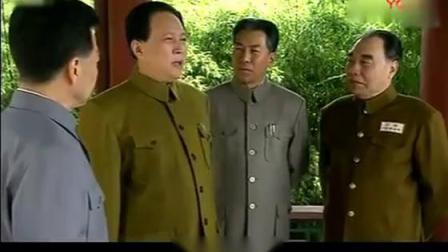 开国五大元勋中, 为何只有毛主席和朱德元帅能穿军装