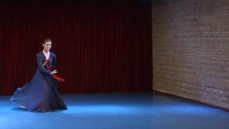 中央民族学院朝鲜舞巜阿里郎》(男)