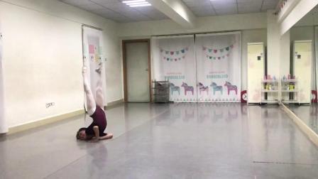 恬姐新舞《中国芭比》练习片段