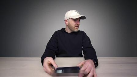 Galaxy Fold 开箱!折叠屏会让手机产生质的变化吗?