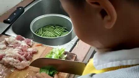 牟阳阳4+ 做饭