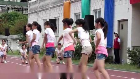 小学女生爵士舞表演