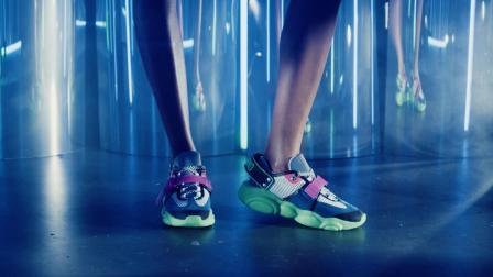 "MOSCHINO发布全新""TEDDY FLUO""运动鞋"
