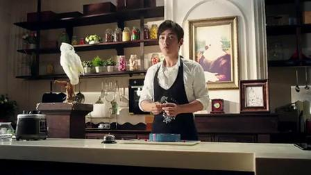 银河蛋糕送你整个宇宙的浪漫 演员朱一龙制作网红甜品星空蛋糕