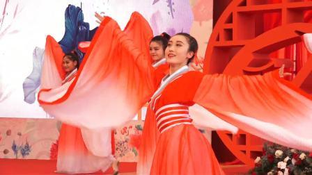 中国古典舞拉开中式婚礼序幕,用舞蹈诉说内心的爱 2019阿里巴巴第十四届集体婚礼 20190510