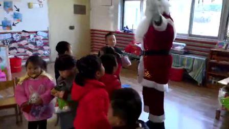 到BoBo幼儿园客串圣诞老爷爷