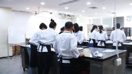 世界面包大赛冠军-里永外教烘焙师武子靖