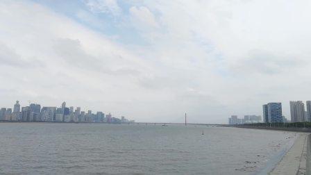 浙江杭州钱塘江大桥横跨两岸: 景色秀丽、气势磅礴、风光无限