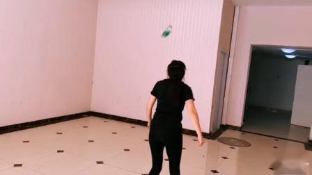 天坛钱姐雕毛毽子视频第一天后打练习19.6.10