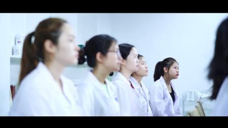 新时代美容学校,美容上课实景。