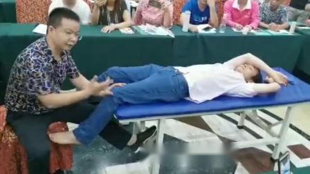 中医柔式正骨教学视频-张一圣立线膝关节检查与治疗