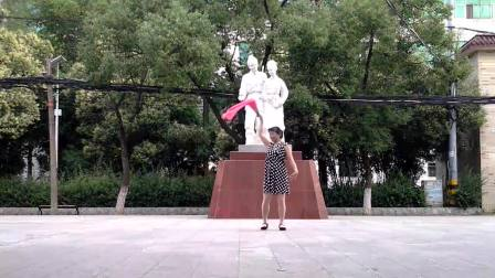 孝感晨练广场舞(扇子舞)《花开的思念》(正、背面)编舞·春英老师