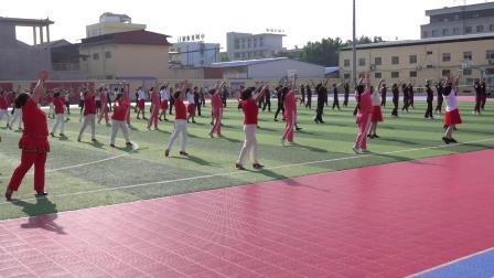 二百人广场舞:苹果脆