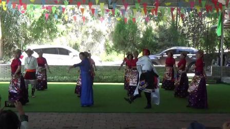欢迎四川,西宁各位老师来兰州联谊指导,红星锅庄队和西宁马老师,贝拉果果一起共舞开心一刻👏👏👏